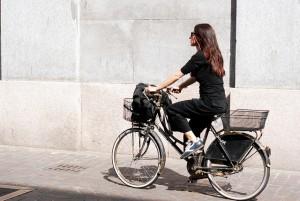 meisje op een fietsje